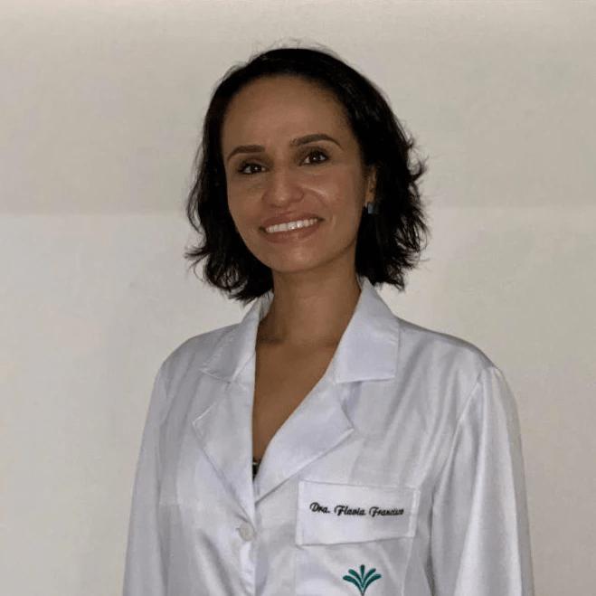 Dr. Flávia Angélica Ferreira Francisco